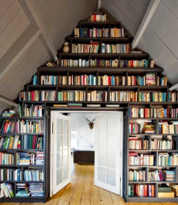 triangular_room_bookshelves